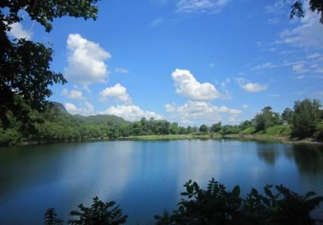 Blue Lake - Bau Town, in Kuching (photo Nihal Sh)